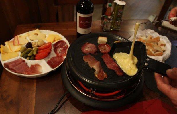 famille-de-gazon-raclette-suica-queijo-det02-4007.jpg