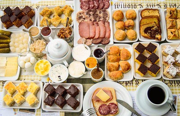 opas-cafe-colonial-bolos-paes-salame.jpg