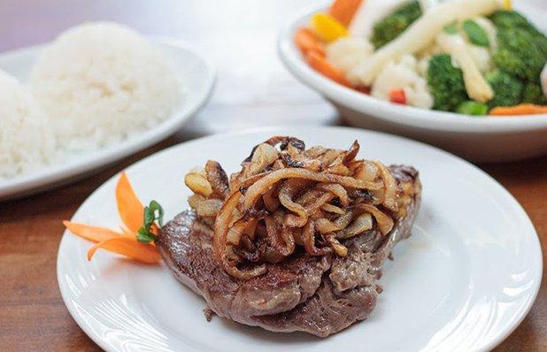bendito-file-acebolado-legumes-arroz.jpg