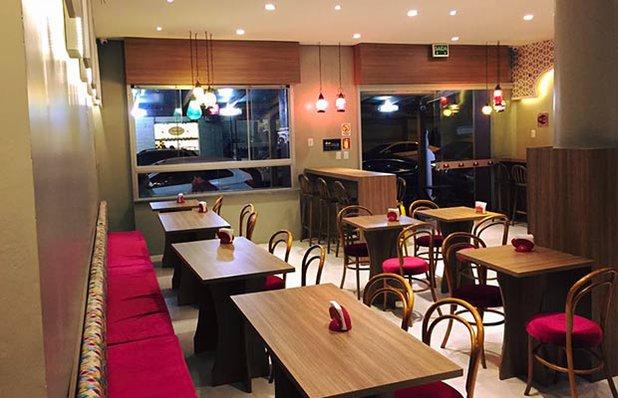 muhbaba-restaurante-arabe-esfihas-imagem.jpg