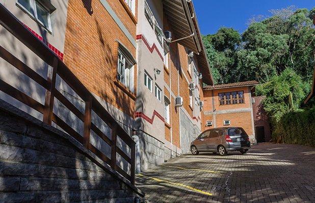hotel-colina-estacionamento.jpg