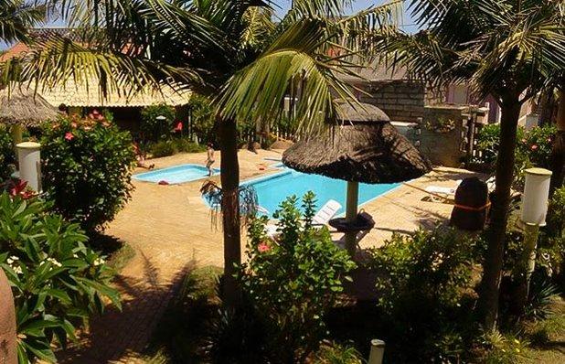 hotel-bella-torres-hospedagem-praia-piscina.jpg
