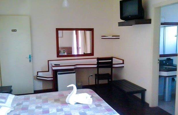 hotel-bella-torres-hospedagem-praia-quarto3.jpg