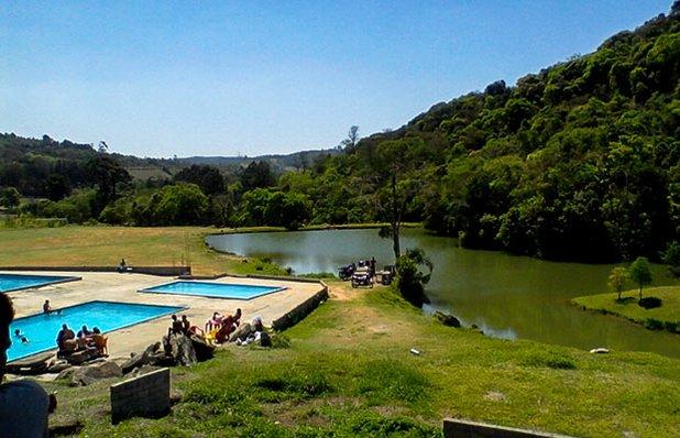sitio-do-marquinhos-piscinas-gravatai-lagoa.jpg