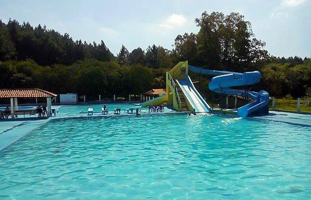 clube-oasis-piscinas-gravatai-parque-verao-toboga.jpg