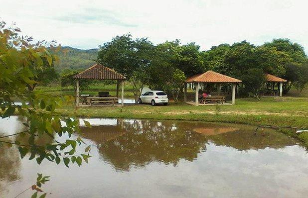 clube-oasis-piscinas-gravatai-parque-lagoa-gazebos.jpg