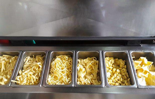 cantina-tagliarini-buffet-massas.jpg