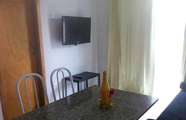 apartamentos-lele-praia-do-rosa-sala.jpg