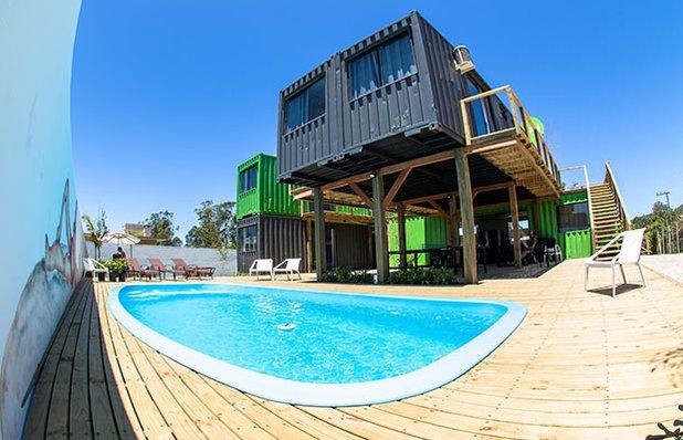 innbox-hotel-hostel-praia-do-rosa-piscina.jpg