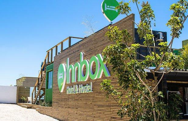 innbox-hotel-hostel-praia-do-rosa-fachada.jpg
