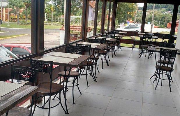 restaurante-rota-romantica-buffet-churrasco-ambiente3.jpg