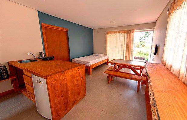 la-floresta-pousada-praia-do-rosa-apartamento2.jpg